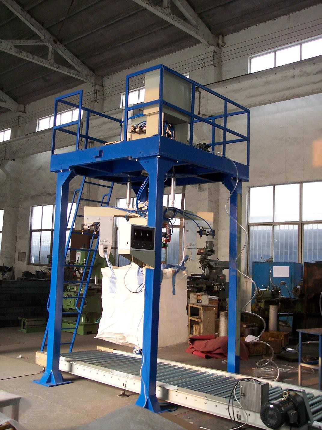 Wheat / Corn / Rice Automatic Weighing And Bagging Machine For Ton Bag; 1000kg Bag Bagger